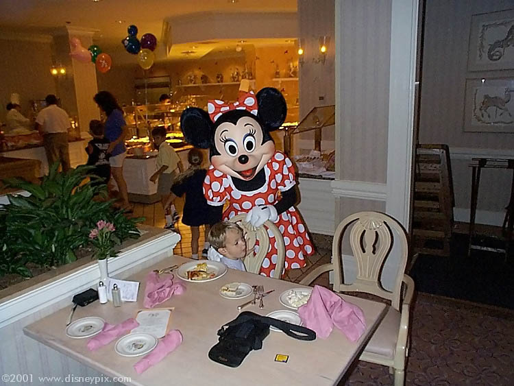 Minnie Mouse At 1900 Park Fare Restaurant In Disney S