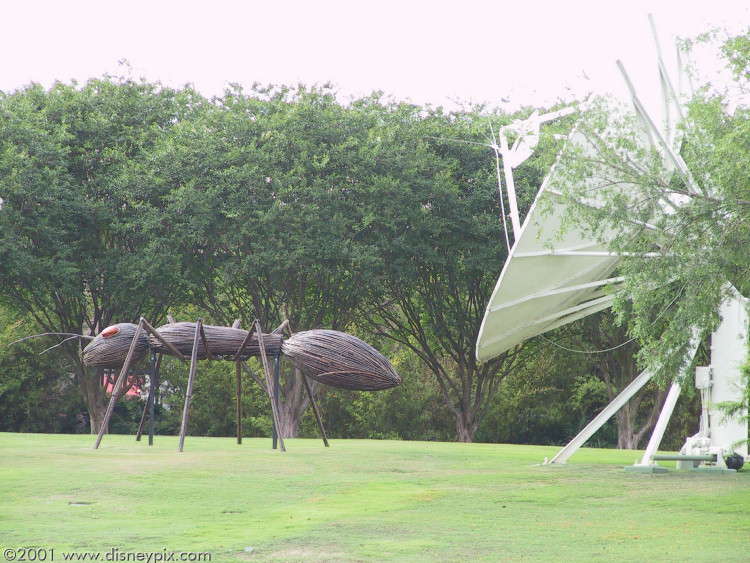 Giant Ant Part Of The 39 Flower Garden 39 Festival